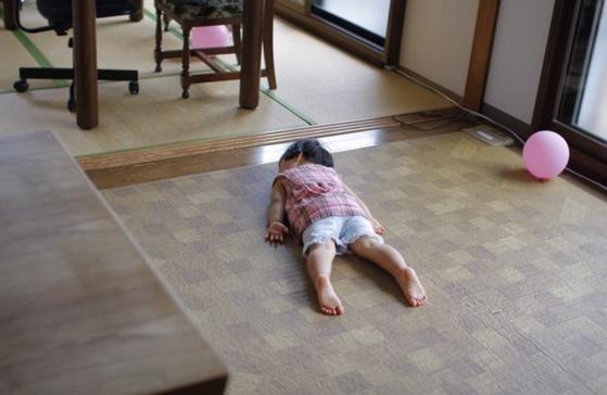 萌與治癒!日本全國孩子被媽媽們拍下斷電的一刻 2