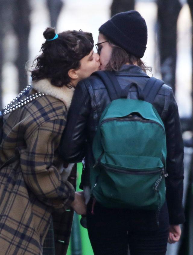「我們都該勇敢定義自己。」暮光女 Kristen Stewart 大方承認新戀情! 1