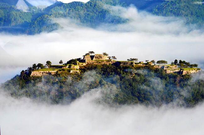 雲端上的世界——天空之城的真實面貌。 — [ Melody專欄 ] 1