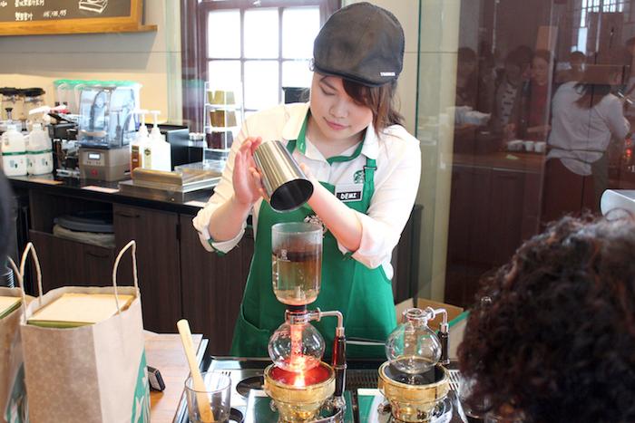 走進古宅的Starbucks「艋舺門市」,感受屬於老台灣的迷人風情 - [ 男子的日常生活 專欄 ] 25