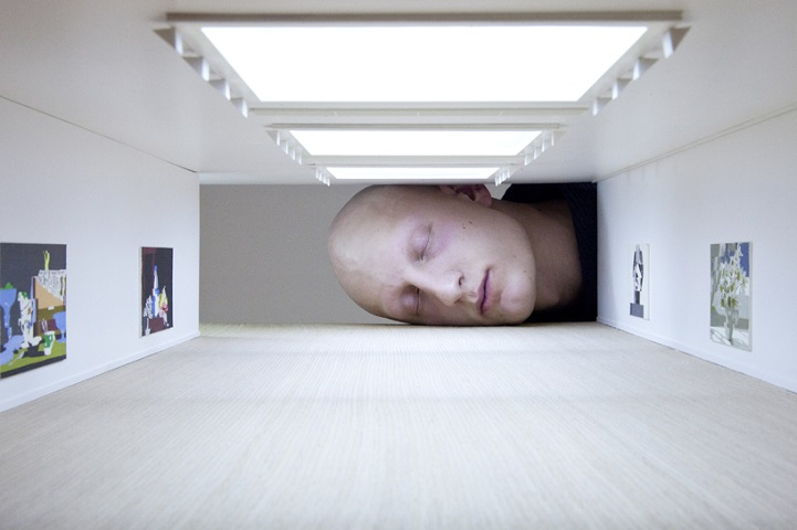 Miniature Galleries:把頭塞進微型美術館裡換種方式看展覽 1