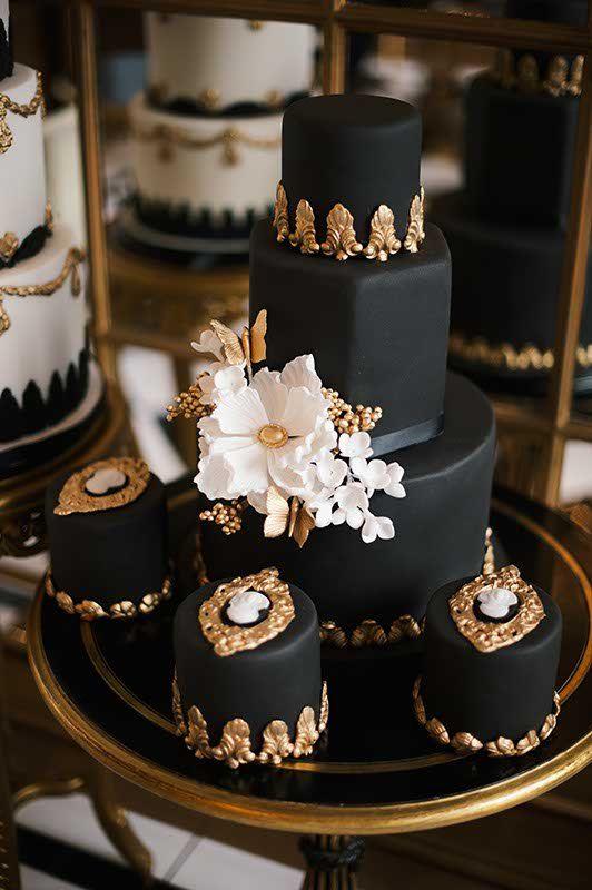 Wedding cakes 16